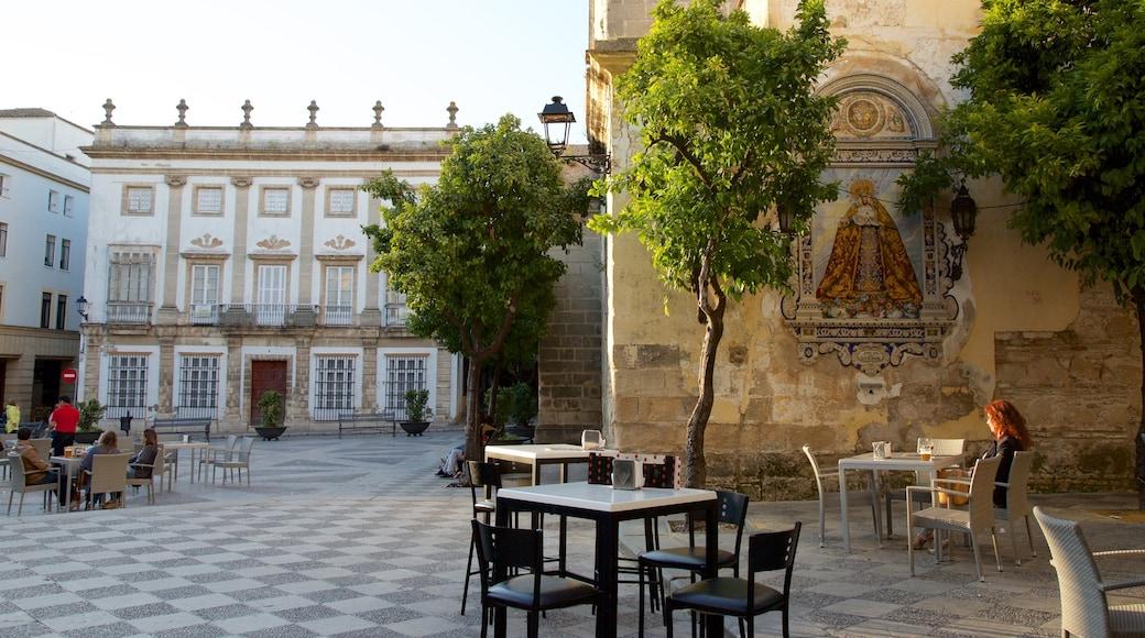 Jerez de la Frontera mettant en vedette square ou place