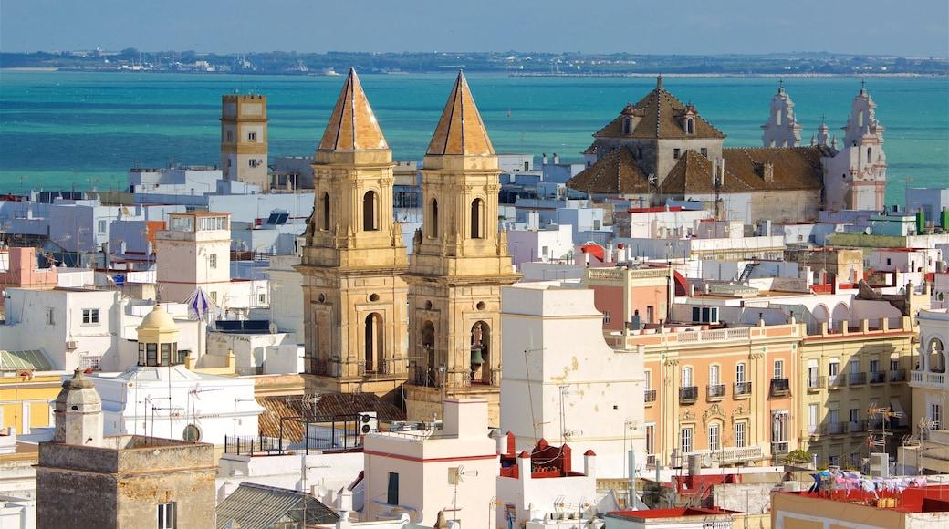 Torre Tavira das einen allgemeine Küstenansicht und Küstenort