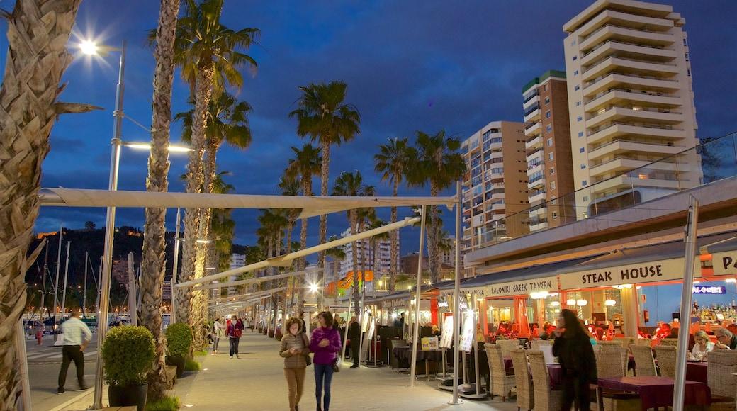 Malagas hamn presenterar en stad och nattliv