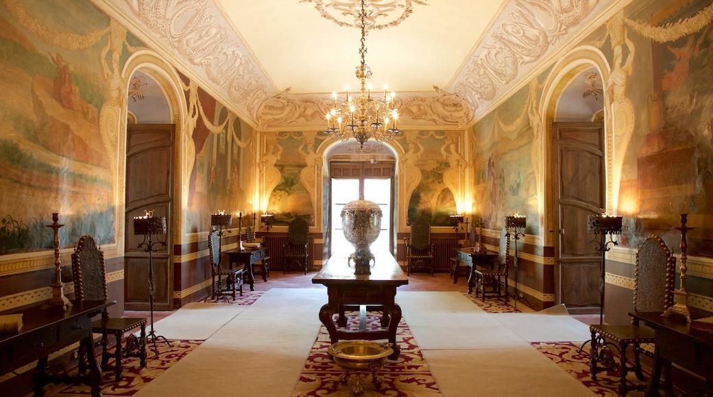 Palacio del Marqués de Viana mostrando arquitectura patrimonial, vistas de interior y elementos patrimoniales