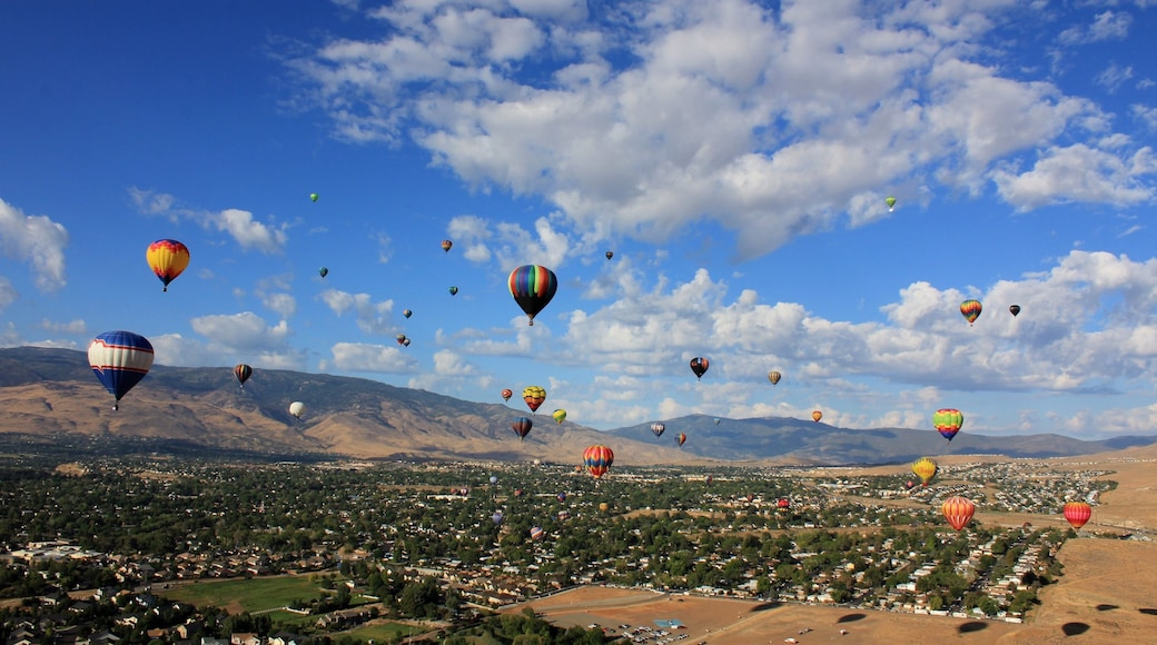 Sparks which includes landscape views and ballooning
