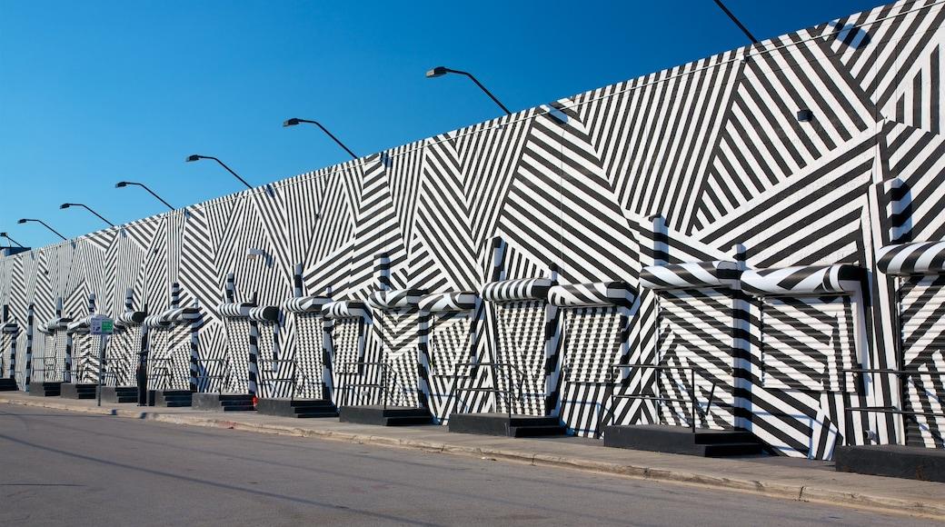 Wynwood Art District featuring outdoor art