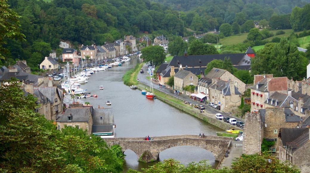 Dinan qui includes patrimoine historique, pont et rivière ou ruisseau