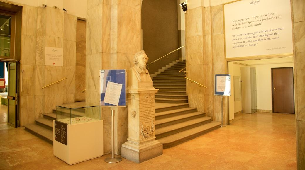 Villa Reale caratteristiche di segnaletica, vista interna e statua o scultura