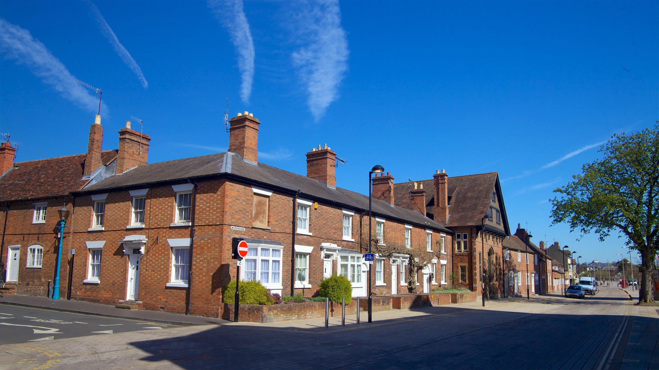 https://a.travel-assets.com/findyours-php/viewfinder/images/res70/207000/207835-Warwickshire.jpg