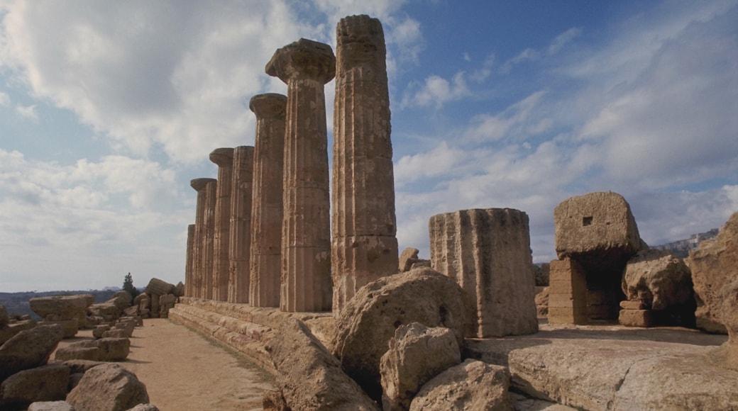 Agrigente montrant patrimoine historique et ruine