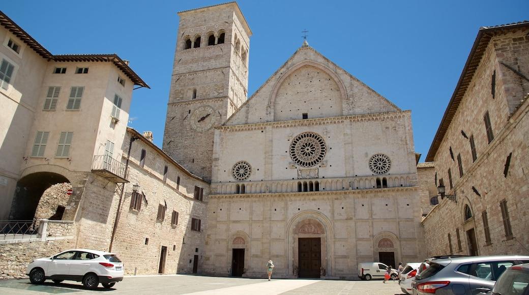 Catedral de San Rufino mostrando uma igreja ou catedral e arquitetura de patrimônio