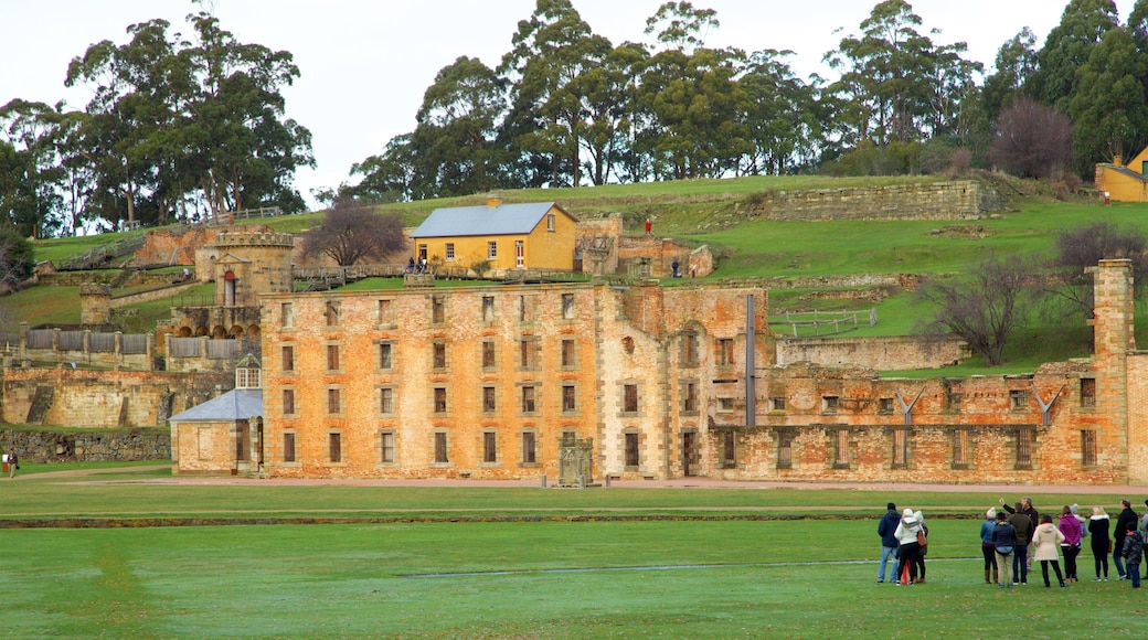 Port Arthur Historic Site featuring a castle, a ruin and heritage elements