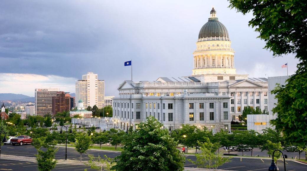 Utah State Capitol welches beinhaltet historische Architektur und Verwaltungsgebäude