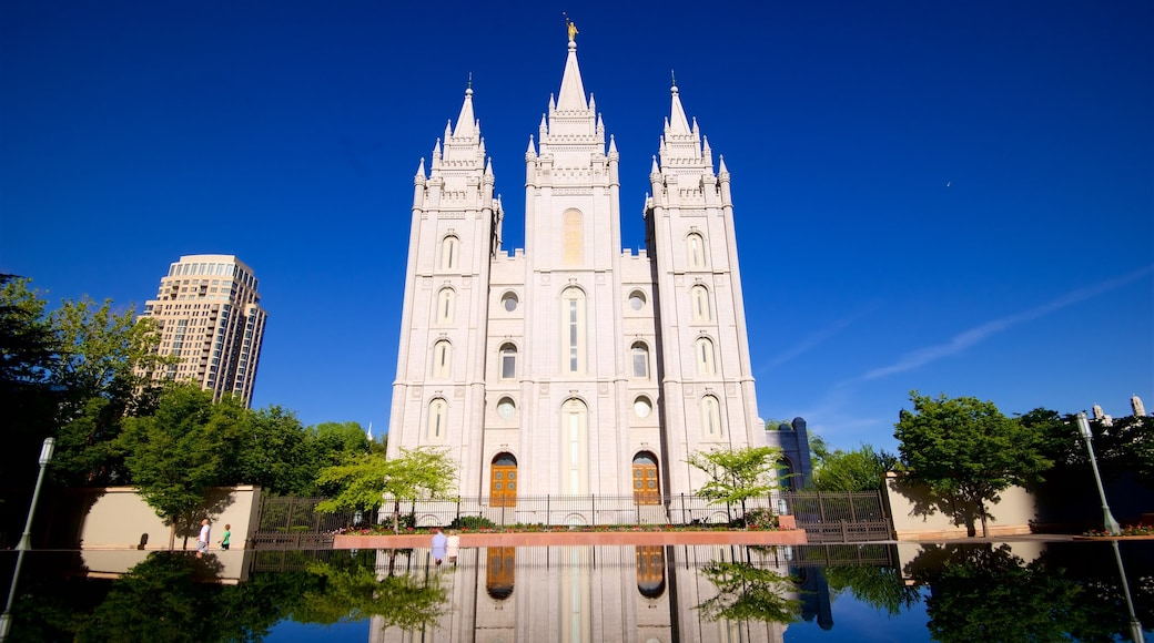 Salt Lake Temple which includes a church or cathedral, heritage architecture and a lake or waterhole