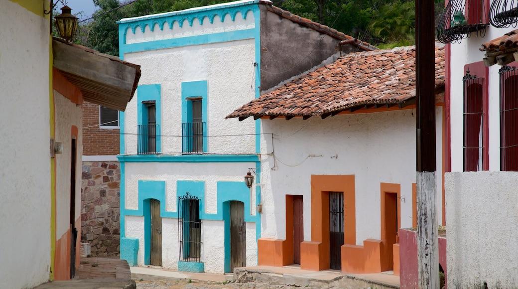 Copala que incluye una pequeña ciudad o pueblo