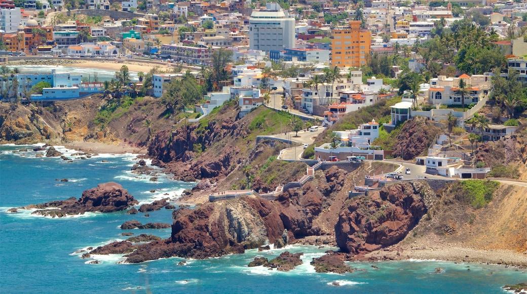 Mazatlán mostrando vistas de paisajes, una ciudad y costa escarpada