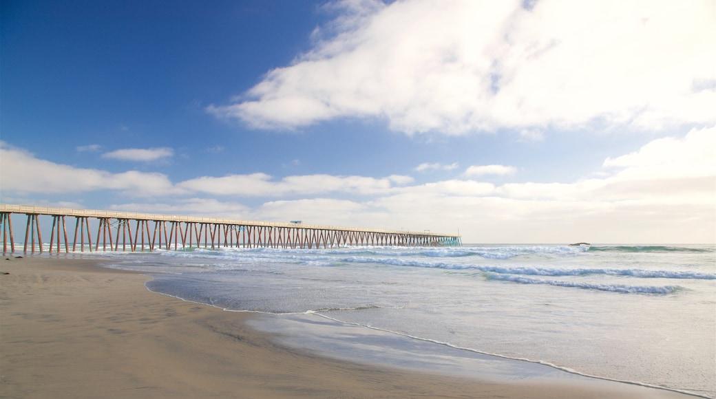 Playas de Rosarito que incluye surf y una playa de arena