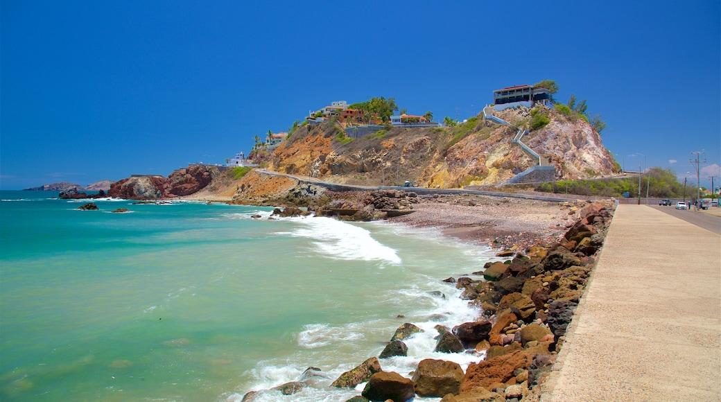 El Mirador mostrando costa rocosa y vistas generales de la costa
