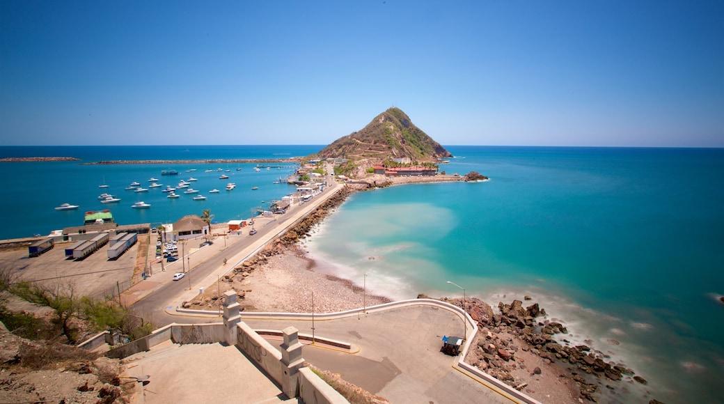El Mirador que incluye vistas generales de la costa, montañas y costa escarpada