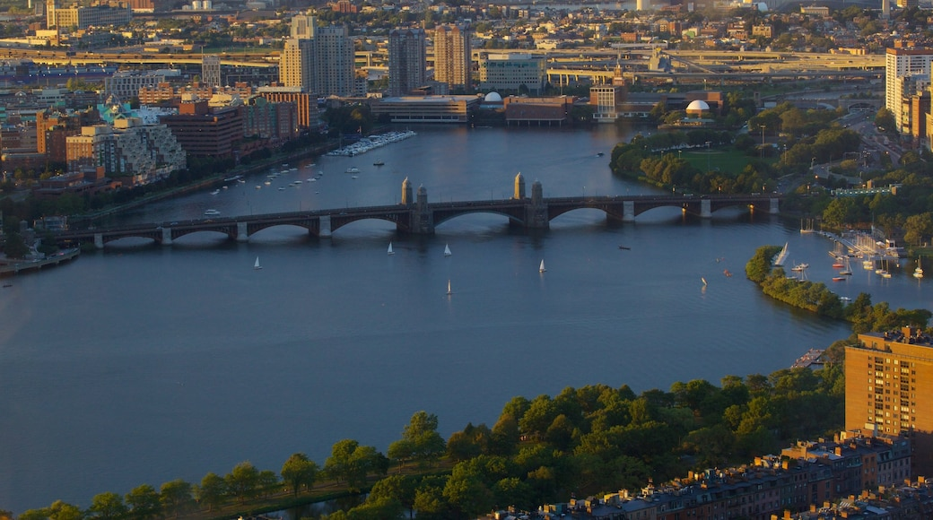 Prudential Tower showing a city, a river or creek and a bridge