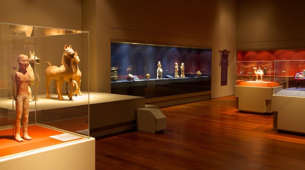 Musée Bowers mettant en vedette vues intérieures
