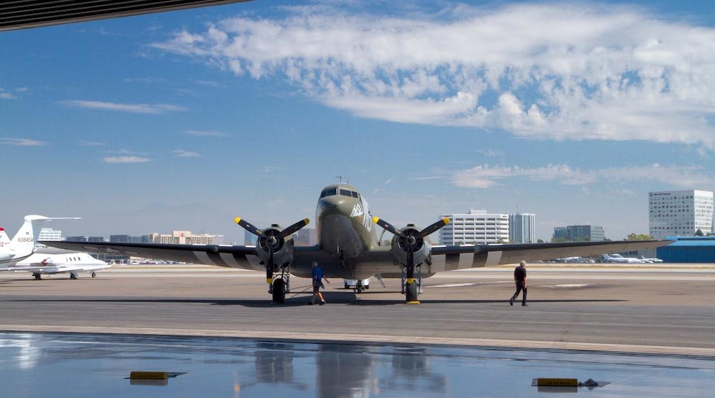 Musée Lyon Air qui includes aéroport et avion