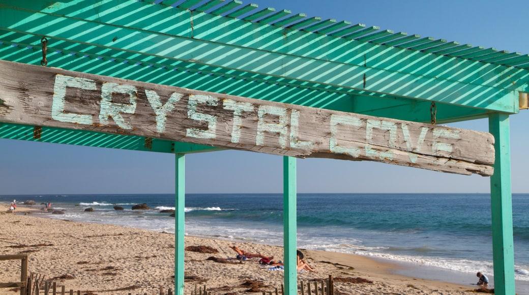 คริสตัลโคฟสเตตพาร์ค เนื้อเรื่องที่ วิวทิวทัศน์, ป้าย และ หาดทราย