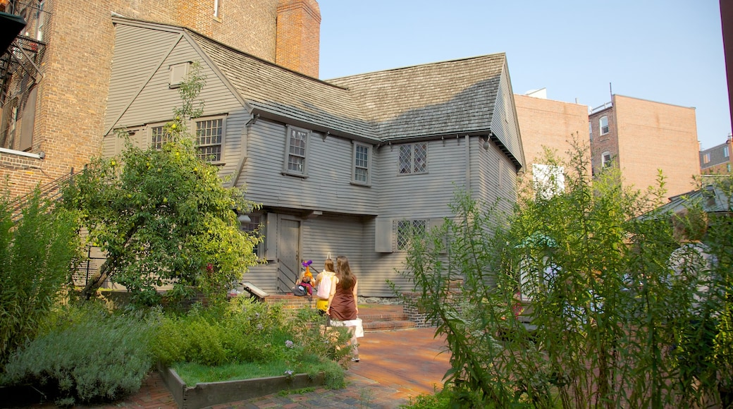 Paul Revere House which includes a house and heritage architecture
