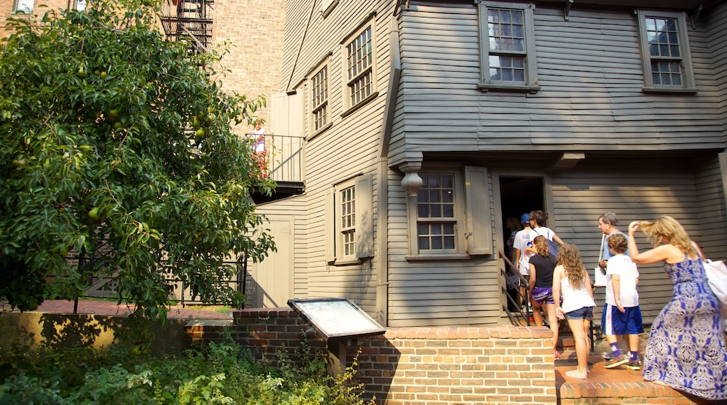Paul Revere House which includes heritage architecture, a house and a memorial