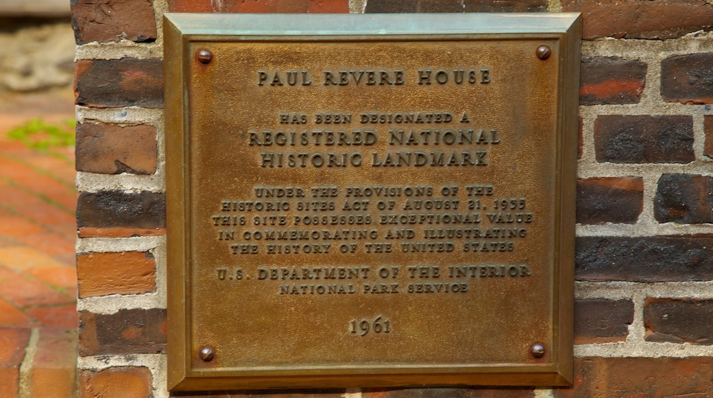 Paul Revere House which includes signage and a memorial