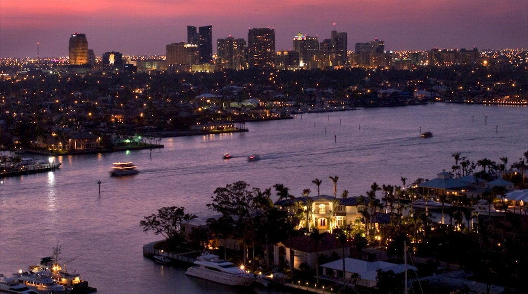 Fort Lauderdale featuring a bay or harbour, night scenes and boating