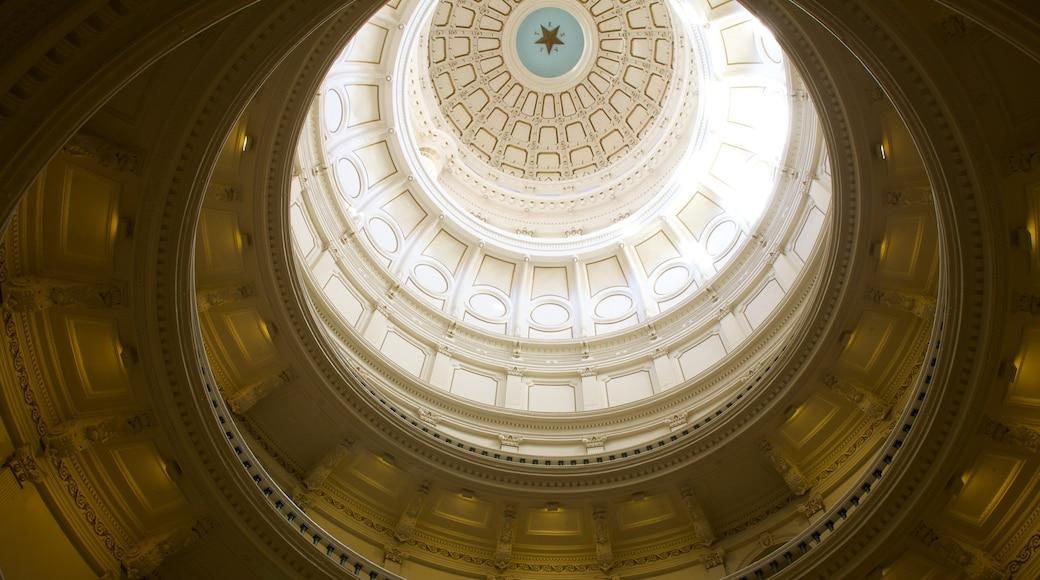 Capitolio de Texas que incluye vistas interiores, patrimonio de arquitectura y un edificio administrativo