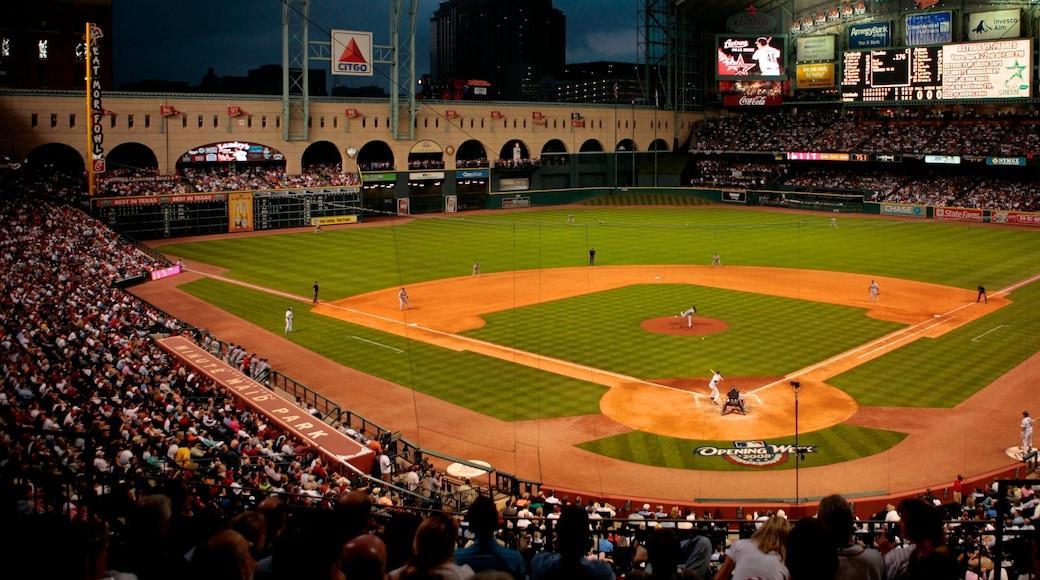 Houston presenterar ett idrottsevenemang och nattliv