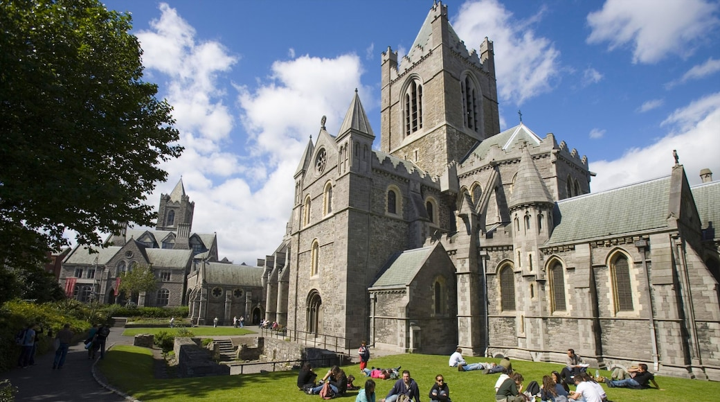 Christ Church Cathedral which includes heritage architecture, a city and religious elements