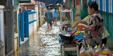 Ko Kret Island featuring food and street scenes