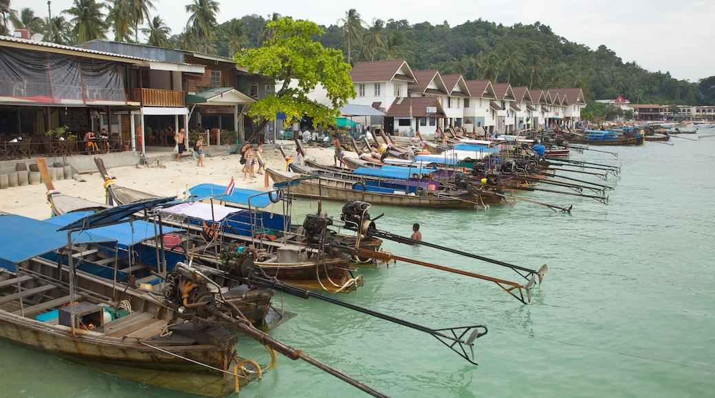 Krabi which includes a coastal town, boating and tropical scenes