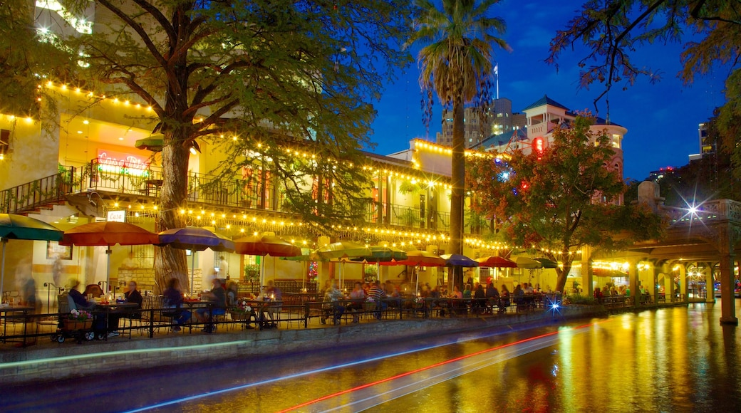 San Antonio showing street scenes, a city and night scenes