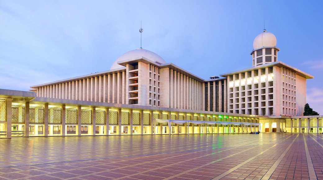 Istiqlal Mosque which includes heritage architecture and modern architecture