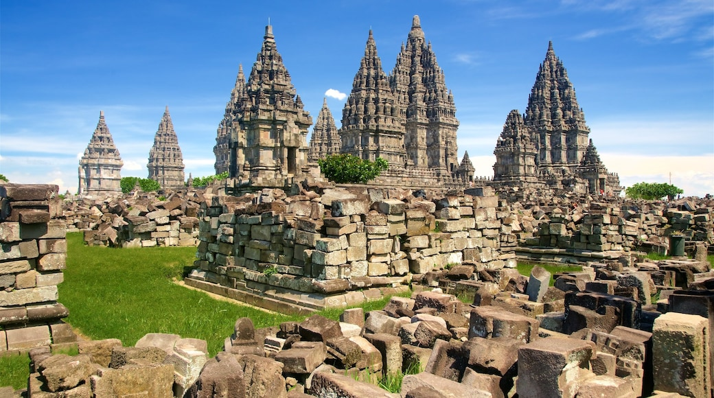 Prambanan Temple which includes heritage architecture and a ruin