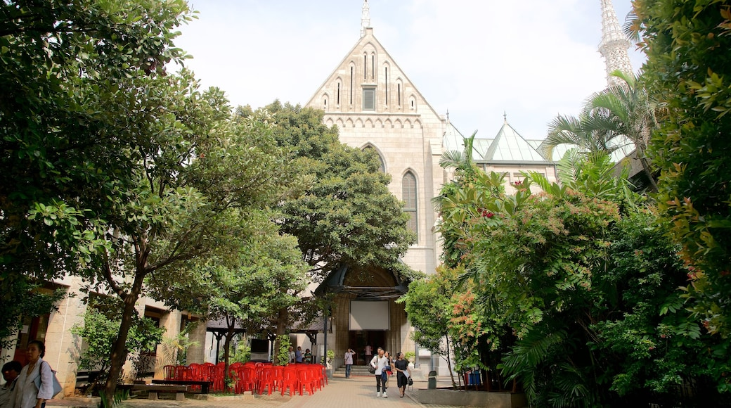 雅加達大教堂 设有 歷史建築 和 教堂或大教堂