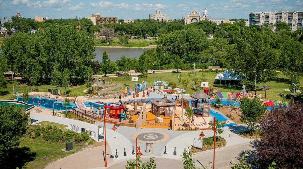 溫尼伯湖市 设有 遊樂場, 公園 和 廣場