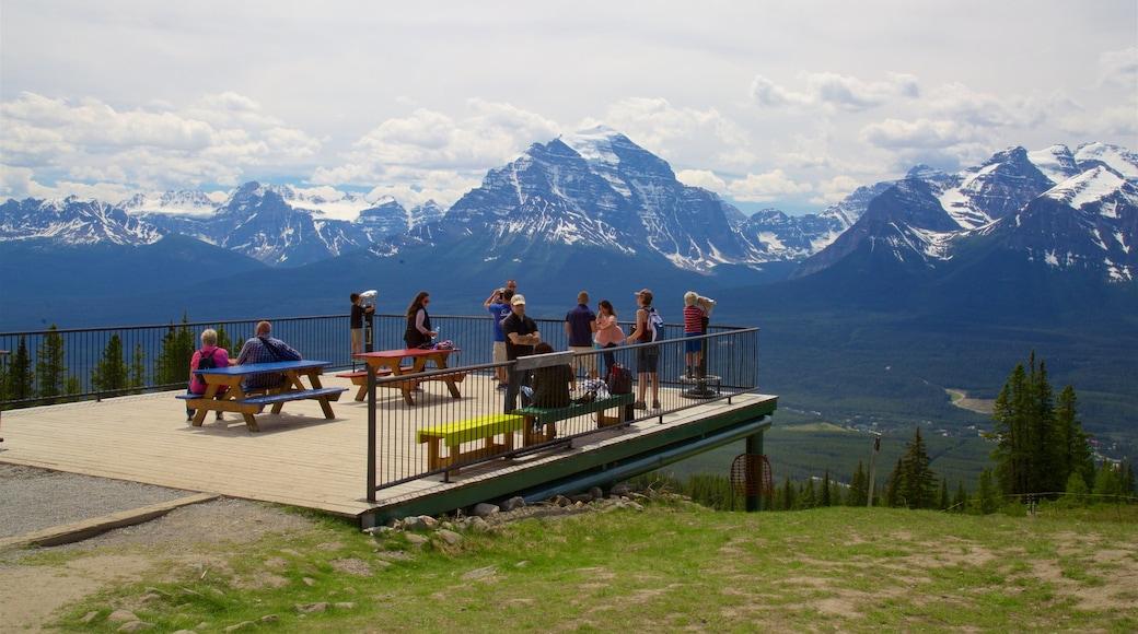 Gondeln von Lake Louise welches beinhaltet Ansichten, Berge und ruhige Szenerie