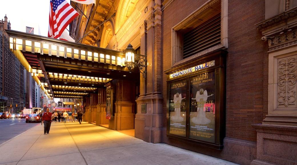 Carnegie Hall que incluye elementos patrimoniales y señalización