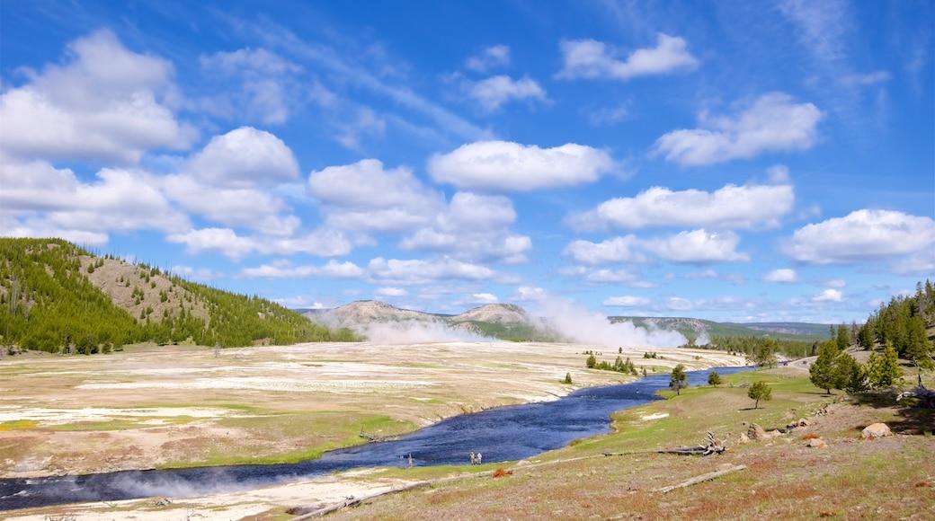 懷俄明西北部 呈现出 溫泉, 山水美景 和 河流或小溪