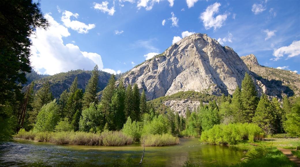 Parc national de Kings Canyon qui includes montagnes, rivière ou ruisseau et scènes tranquilles
