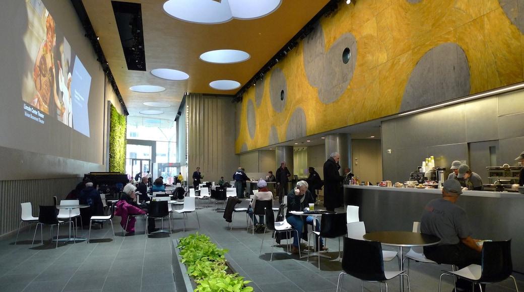 Lincoln-senteret for utøvende kunst som viser innendørs og spise ute