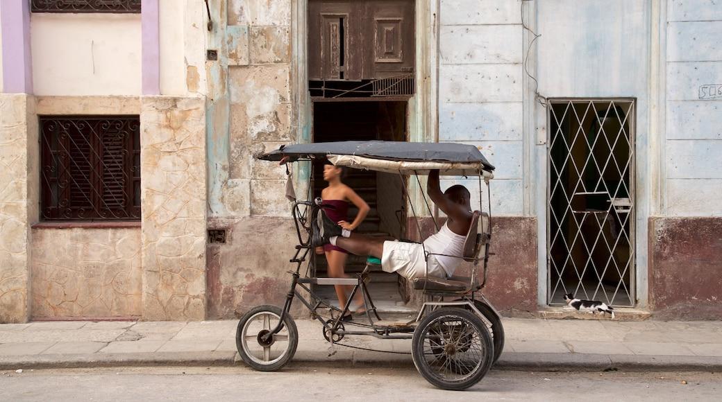 Havana ofreciendo ciclismo y también un hombre