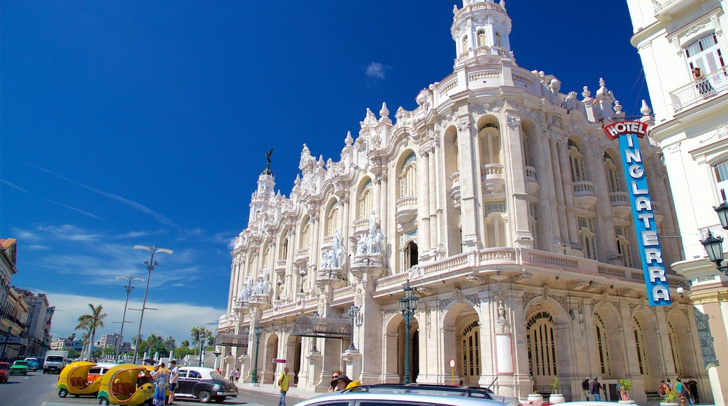 Havana which includes heritage architecture and signage