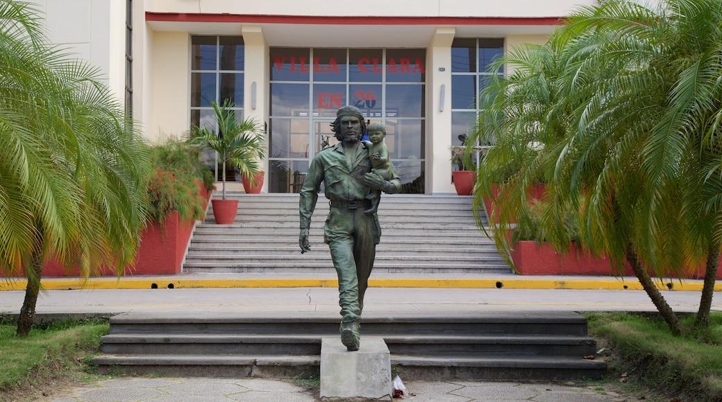Santa Clara which includes a statue or sculpture