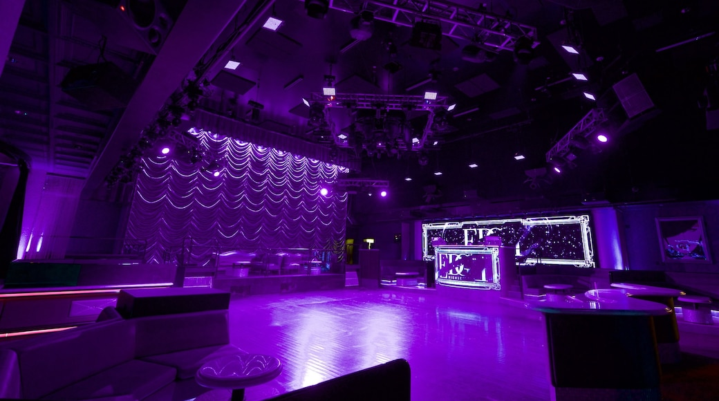 Reno which includes interior views, a casino and a bar