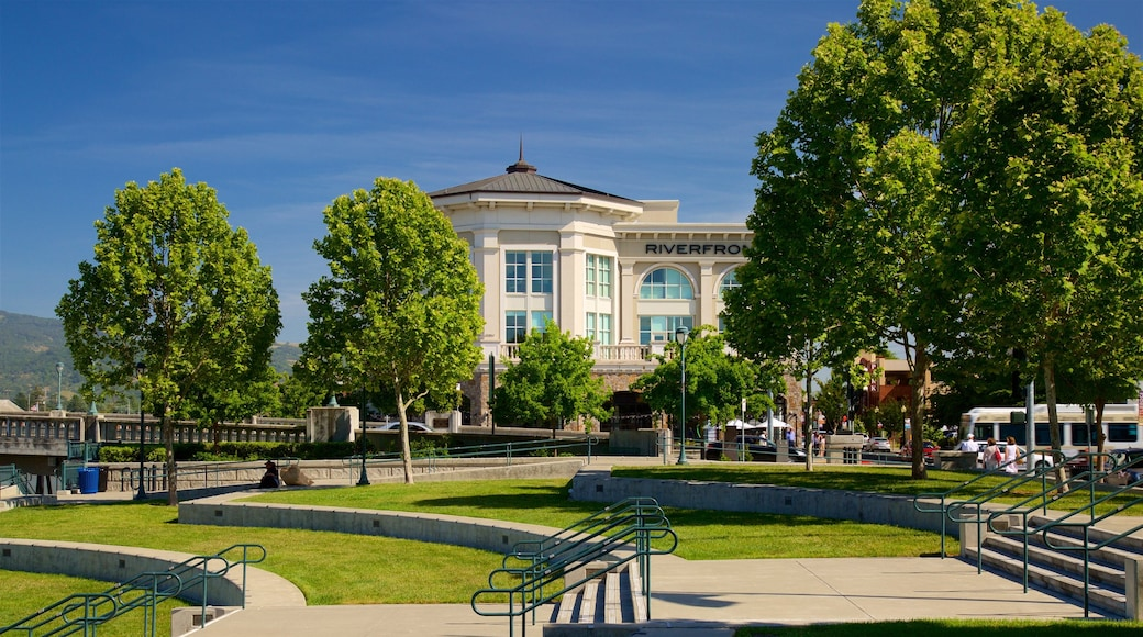 Napa featuring a park and heritage elements