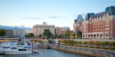 Victoria Harbour which includes heritage elements and a bay or harbour