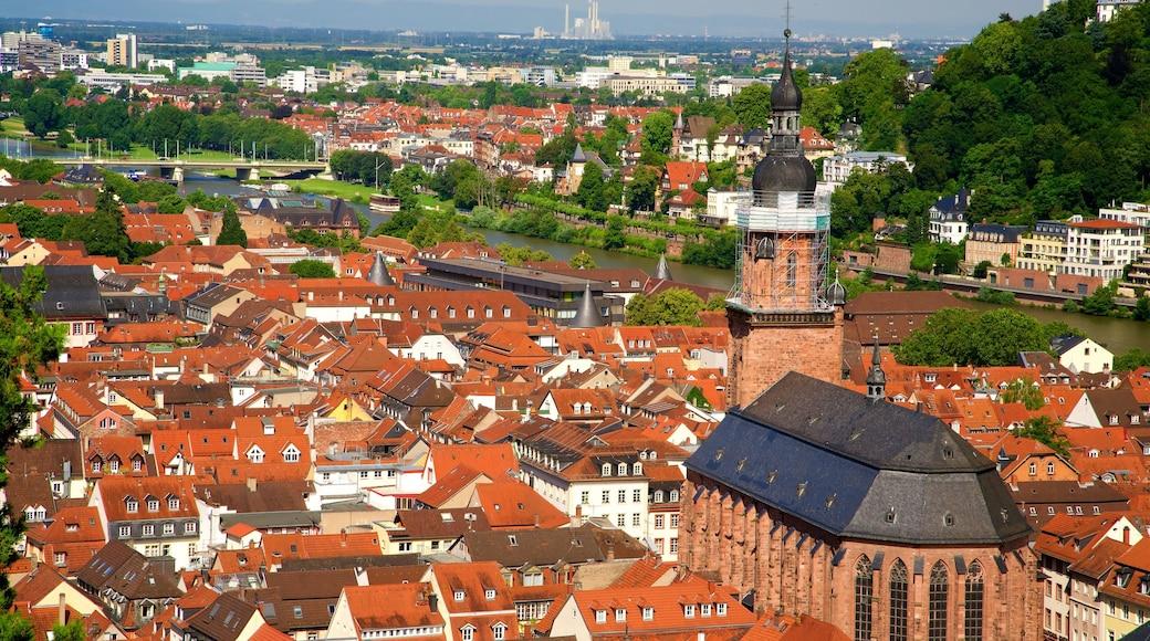 Heiliggeistkirche mit einem Geschichtliches und Stadt