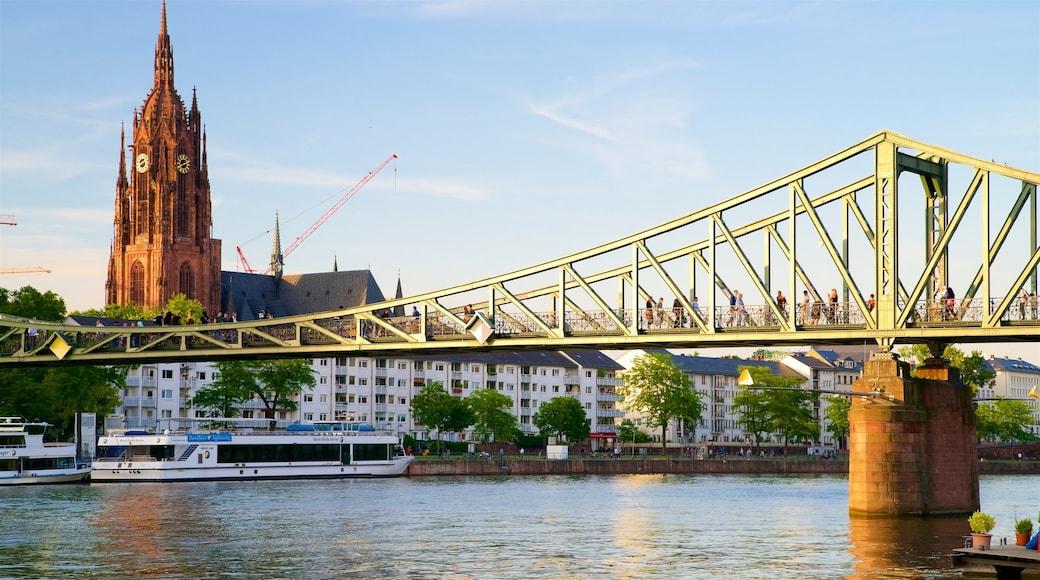 Frankfurt welches beinhaltet Brücke, Sonnenuntergang und Geschichtliches